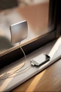 Solar Window Changer 200x300 Еще один девайс для зарядки вашего гаджета энергией солнца
