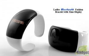 Ladies Bluetooth Fashion Bracelet 300x187 Многофункциональный аксессуар