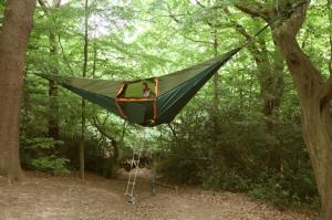 tentsile 14 300x199 Уникальная подвесная палатка